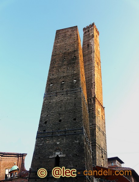 £ torri di Bologna