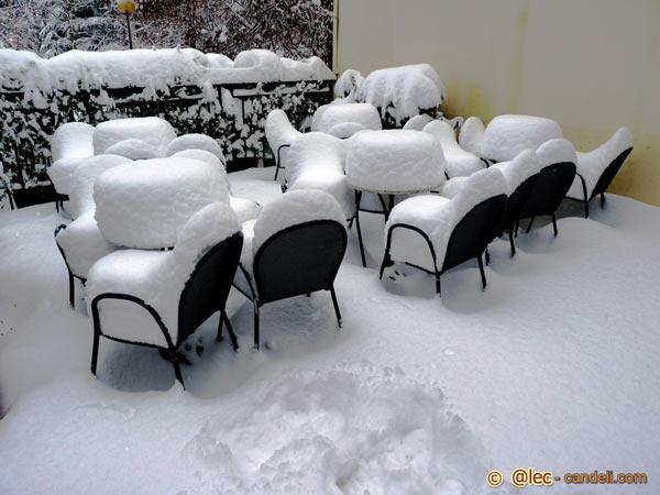 Chalet sotto la neve